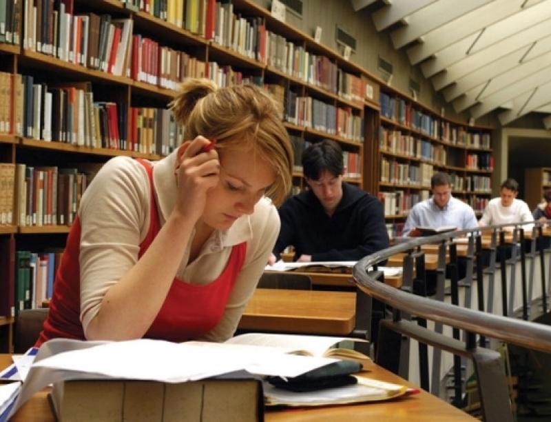 Ξένες γλώσσες με χαμηλά δίδακτρα από το Πανεπιστήμιο Αθηνών