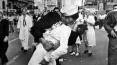 Πέθανε ο ναύτης της φωτογραφίας με το διάσημο φιλί