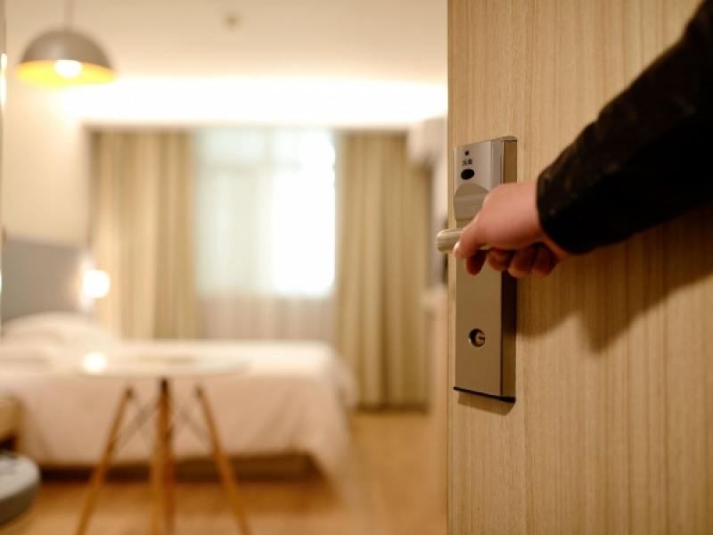 10 πράγματα που δεν πρέπει να κάνετε ποτέ σε ένα ξενοδοχείο