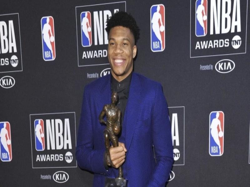 MVP του NBA ο Γιάννης Αντετοκούνμπο!(video)