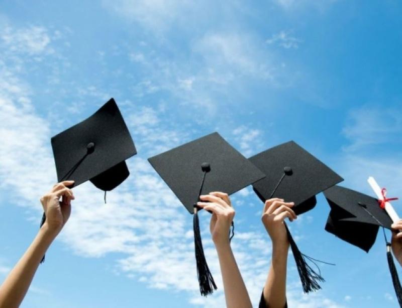 19 Υποτροφίες για σπουδές στο Εξωτερικό!