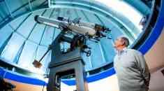 Ενας αστροφυσικός που εμπνέεται από το «χάος και την αταξία»