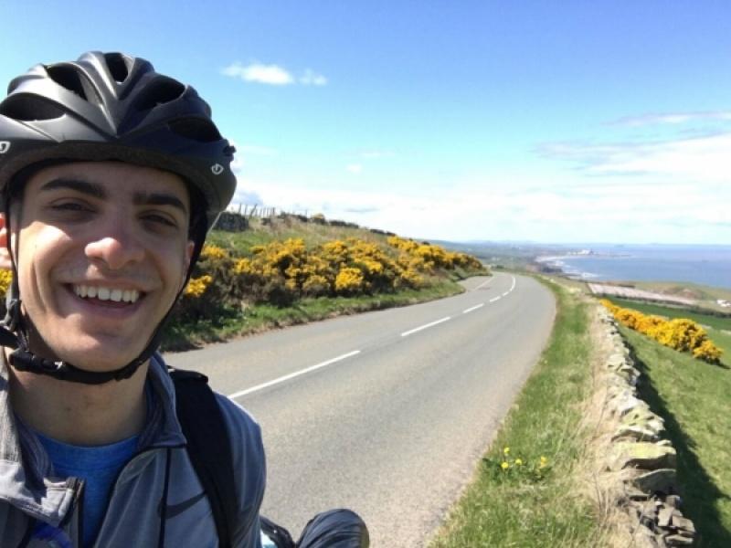Έλληνας φοιτητής ταξίδεψε με ποδήλατο από τη Σκωτία στην Ελλάδα