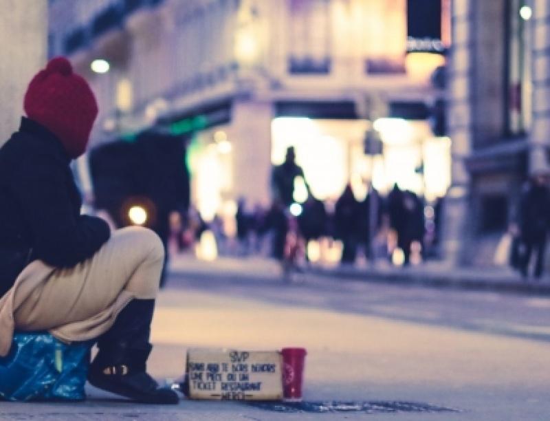 Καναδοί ερευνητές έδωσαν 7.500 δολάρια σε άστεγους - Τα αποτελέσματα ήταν εντυπω...