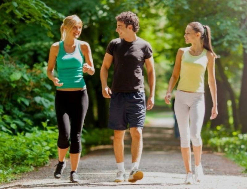 Πώς ωφελείτε την υγεία σας αν κάνετε 10.000 βήματα την ημέρα (βίντεο)