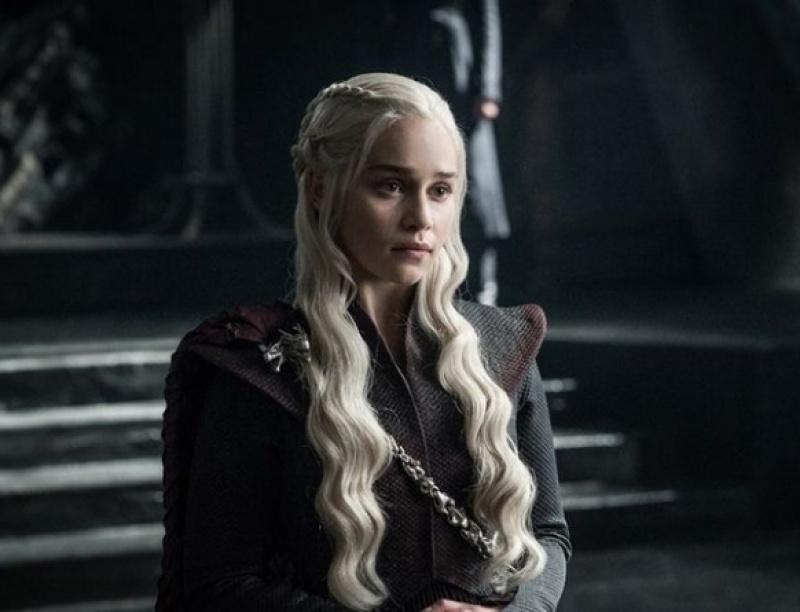 Το επικό λάθος στα μαλλιά της Daenerys στην πρεμιέρα του GoT το παρατήρησες;