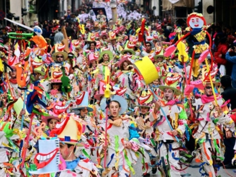 Πατρινό Καρναβάλι 2018: Υπερθέαμα από 30.000 μασκαράδες