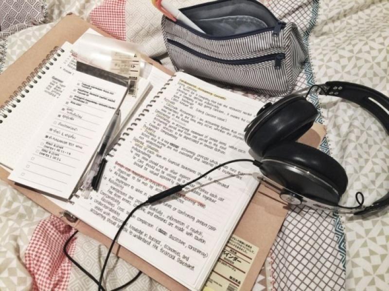 Διάβασμα και Μουσική: Φίλοι ή εχθροί;