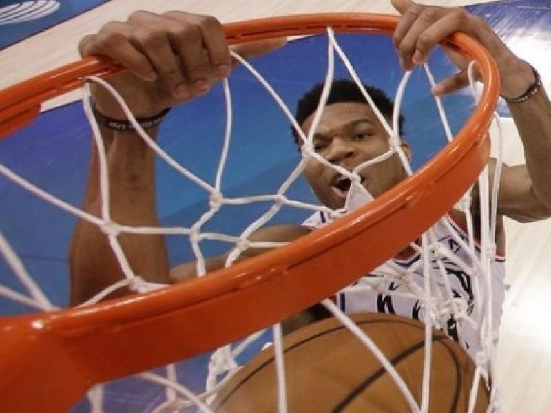 NBA All-Star Game: Διαστημικός ο Αντετοκούνμπο, νικητής ο ΛεΜπρόν